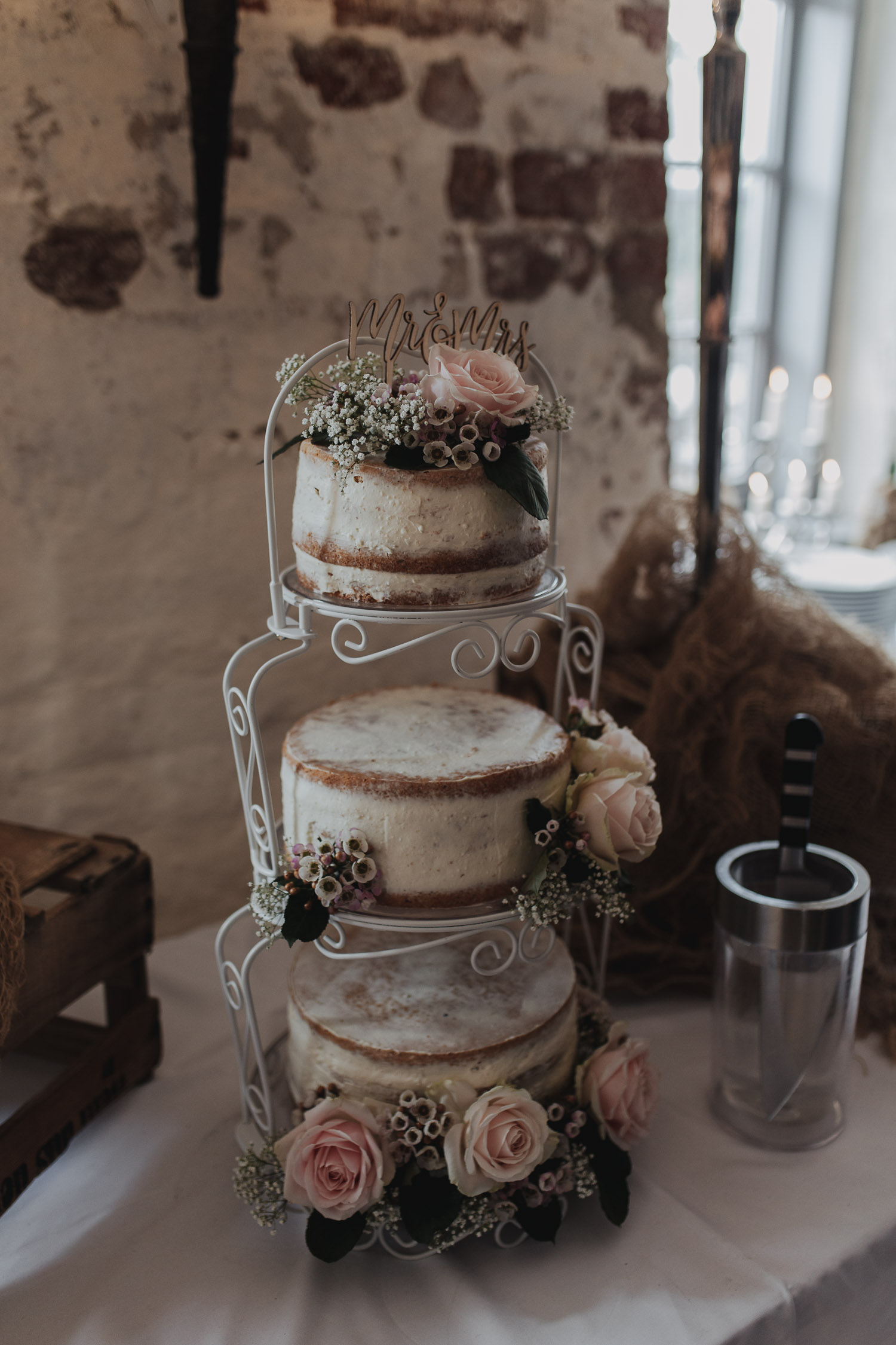 Aufgenommen von Hochzeitsfotograf Kupfergold Photographie aus Rostock. Zu sehen ist eine DIY-Hochzeit auf Burg Neustadt-Glewe.